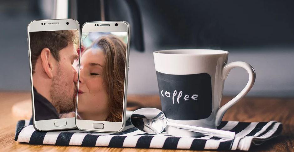 mobil a káva